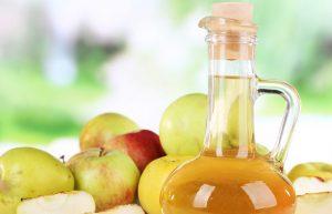 ازالة تجاعيد العين بعصير التفاح